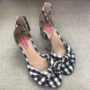 NEW Betsy Johnson checkered heels